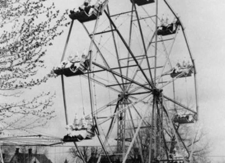 Ferris wheel Canon  City